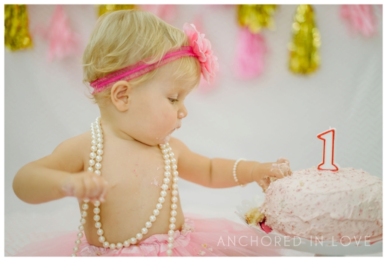Marlows Cake Smash Wilmington NC Anchored in Love_0001.jpg