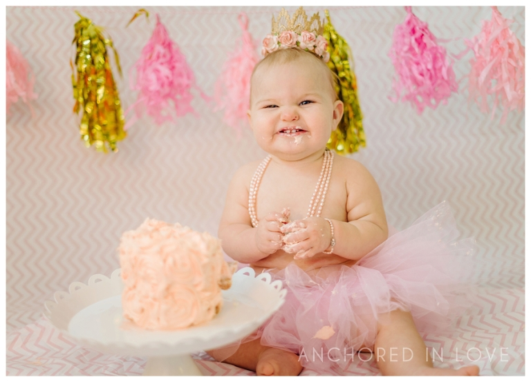 Sadies Cake Smash Wilmington NC Anchored in Love_0001.jpg